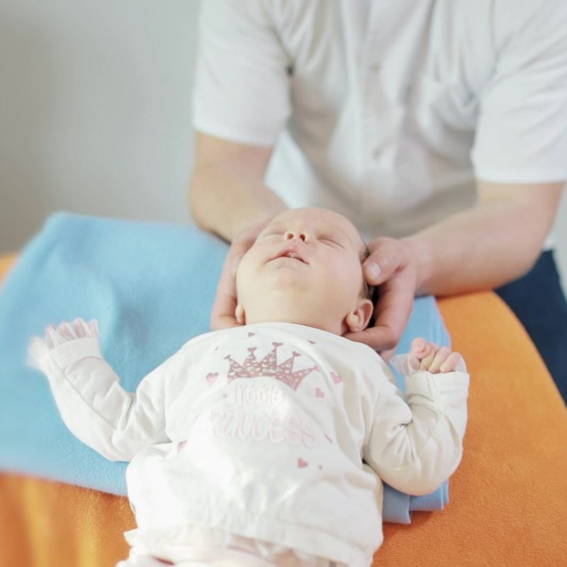 problem-kolki-noworodków-osteopatia-pediatryczna