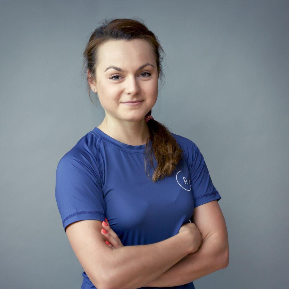 karolina kostuch trener personalny w fizjomed