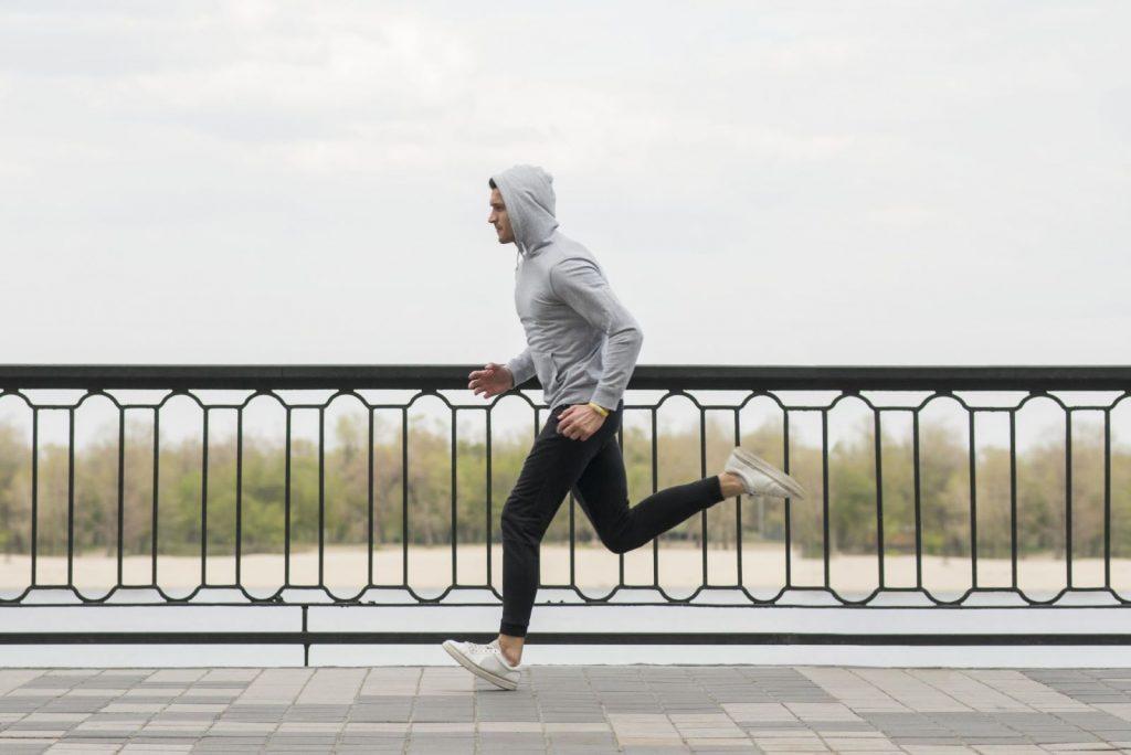 Jakie są przyczyny i skutki kontuzji biegaczy