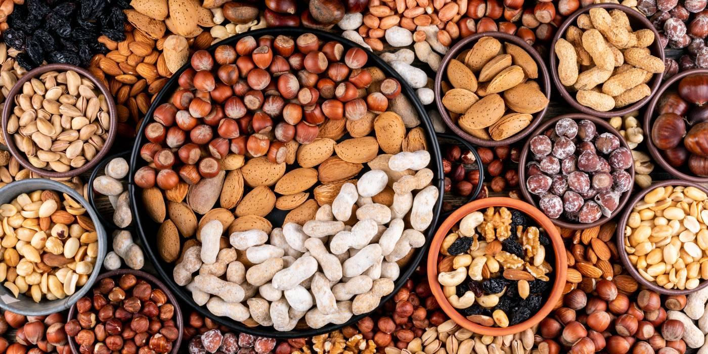 Dietetyk tłumaczy dla czego warto jesc orzechy
