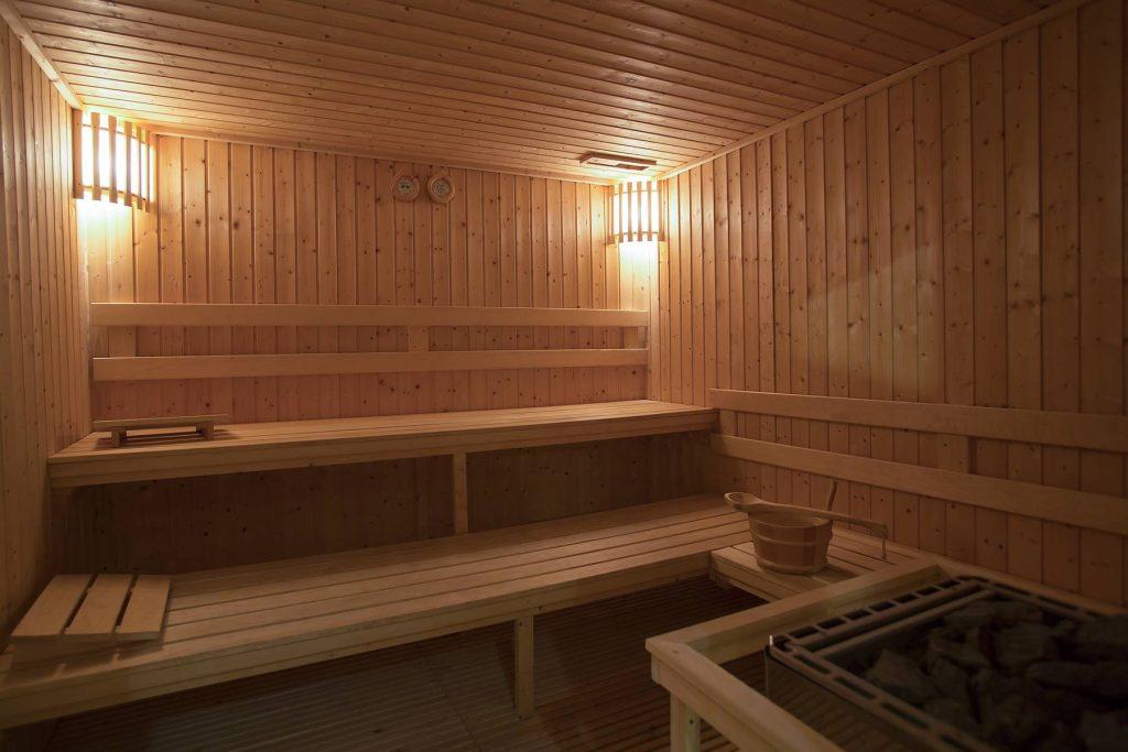 sauna-sucha-fńska-wnętrze